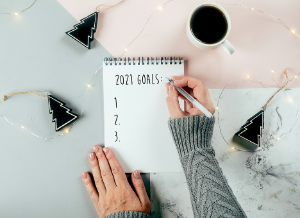 happy-new-year-2021-womans-hand-writing-2021-goals_2_l.png